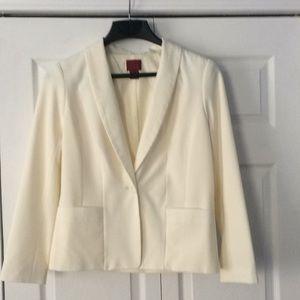 NWOT stylish cream colored blazer